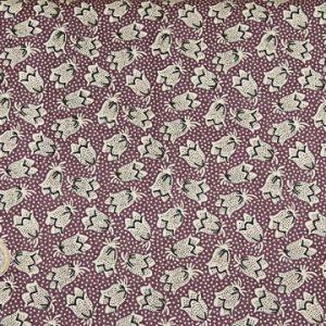 tissu-andover-fleurs-blanches-fond-bordeaux-lemillepatch